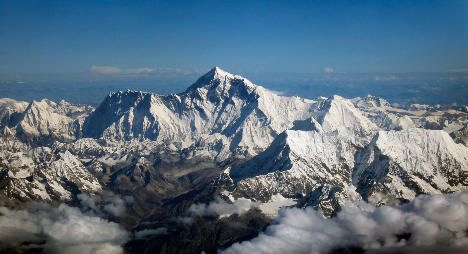 Double Amputee Summits Everest Decades After Losing Feet In Failed Attempt